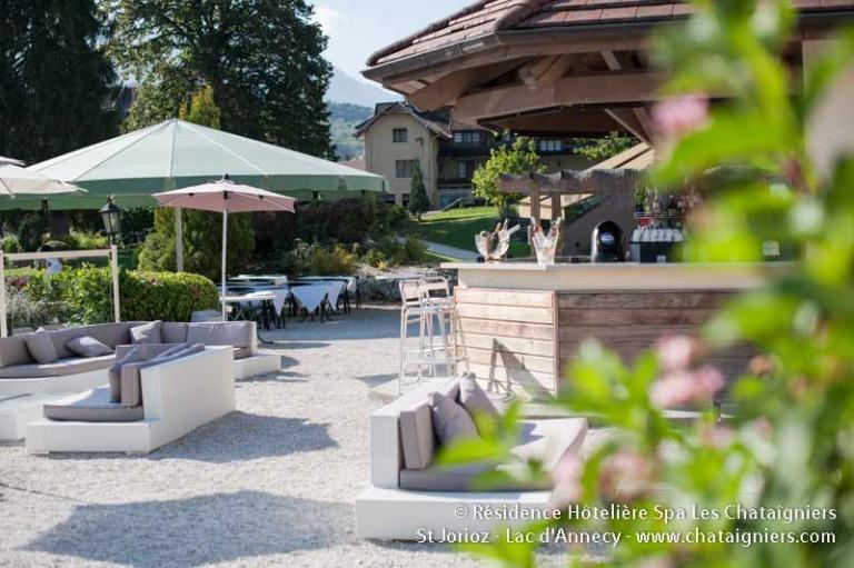 Restaurant la piscine meer van annecy for Restaurant piscine