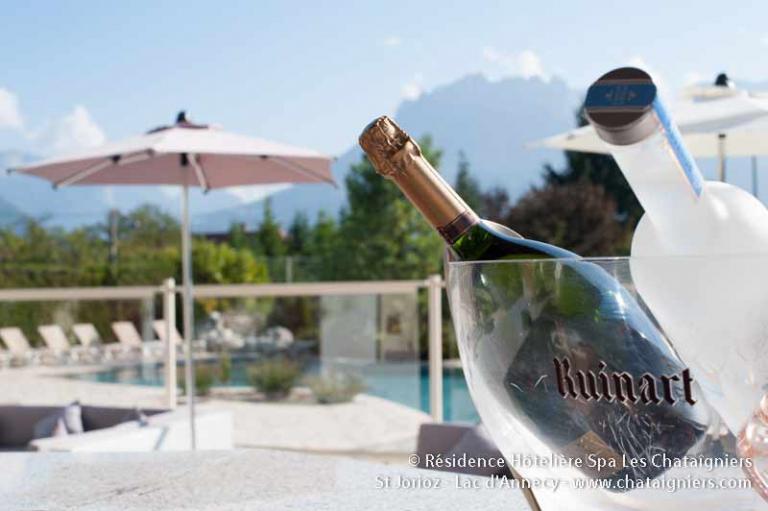 ambiance champagne la piscine les chataigniers