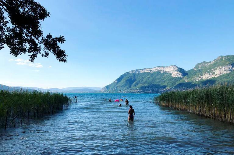 acces direct au lac d'annecy
