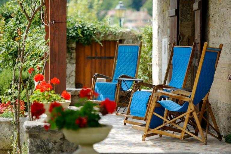 h tel cottage bise talloires lac annecy. Black Bedroom Furniture Sets. Home Design Ideas