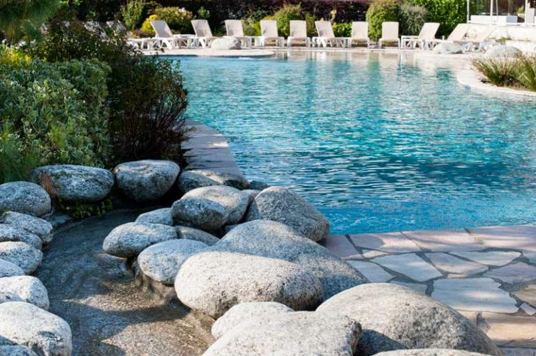 Residentie les chataigniers meer van annecy for Piscine annecy