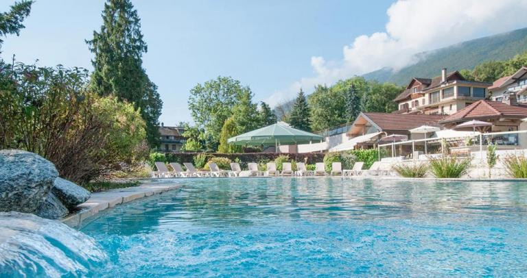 R sidence les chataigniers st jorioz lac annecy for Hotel annecy piscine