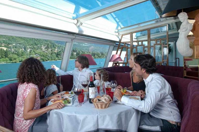 table ronde MS Libellule compagnie des bateaux annecy