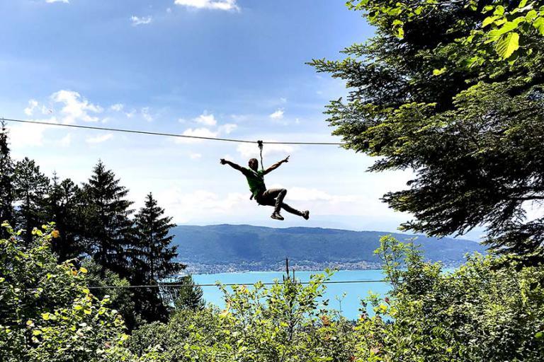 Tyrolienne vue lac